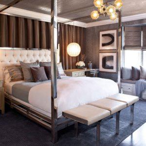 Если вы любите кованные кровати, используйте ее в любом стиле