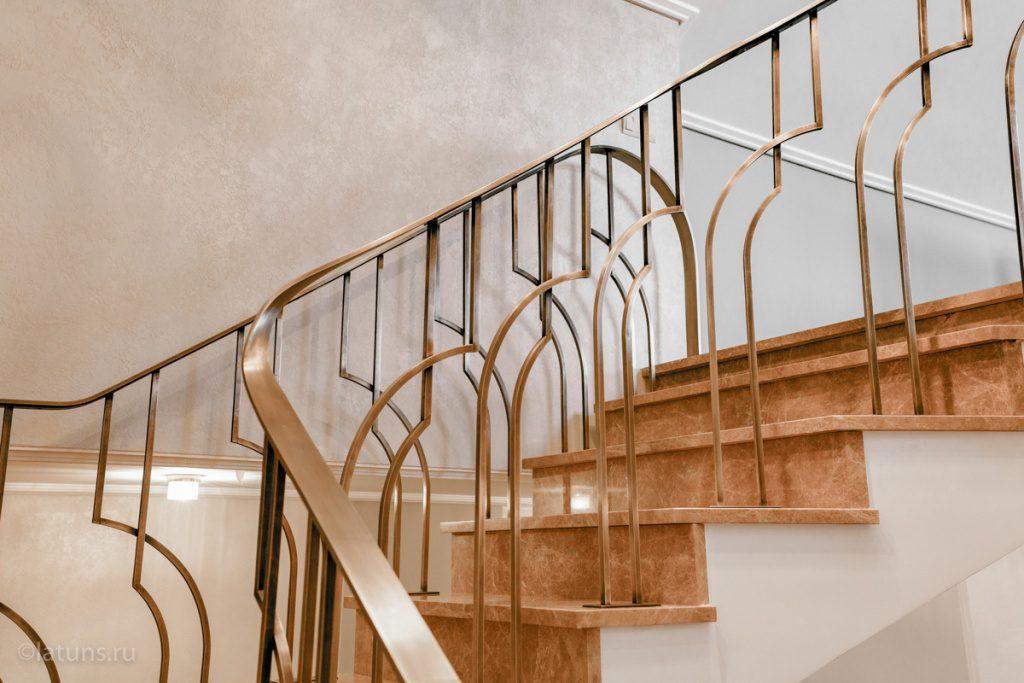 Лестницы из латуни — изготовление