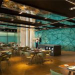 Элегантный интерьер прибрежного отеля в Барселоне