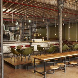 Экстравагантный дизайн интерьера молодёжного кафе в стиле стимпанк