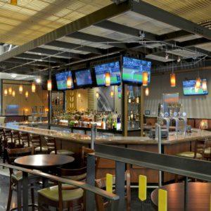 Studio H2G представили интерьер пивного ресторана Gordon Biersch Brewery