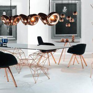 Современные идеи, придающие металлический блеск дизайну и декору интерьера.